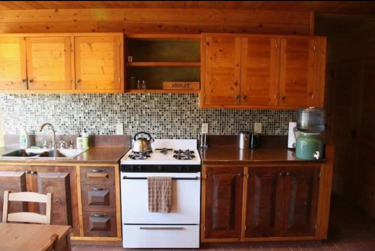 eagle-earthship-kitchen