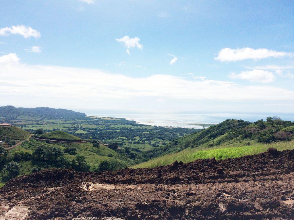 quetzal-earthship-panama-view